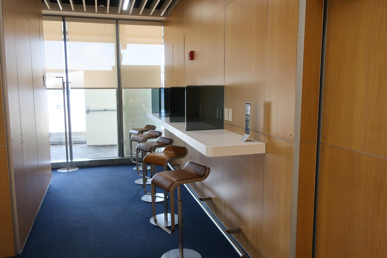 Work Stations - Lufthansa Senator Lounge Newark  Photo: Calvin Wood