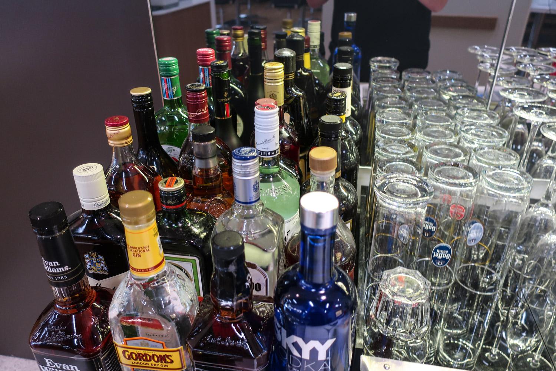 A Wide Selection Of Spirits! Lufthansa Senator Lounge Newark  Photo: Calvin Wood