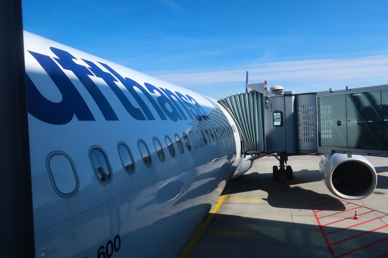 AIrbus 340 - Lufthansa - Boarding Through The Front  Photo: Calvin Wood
