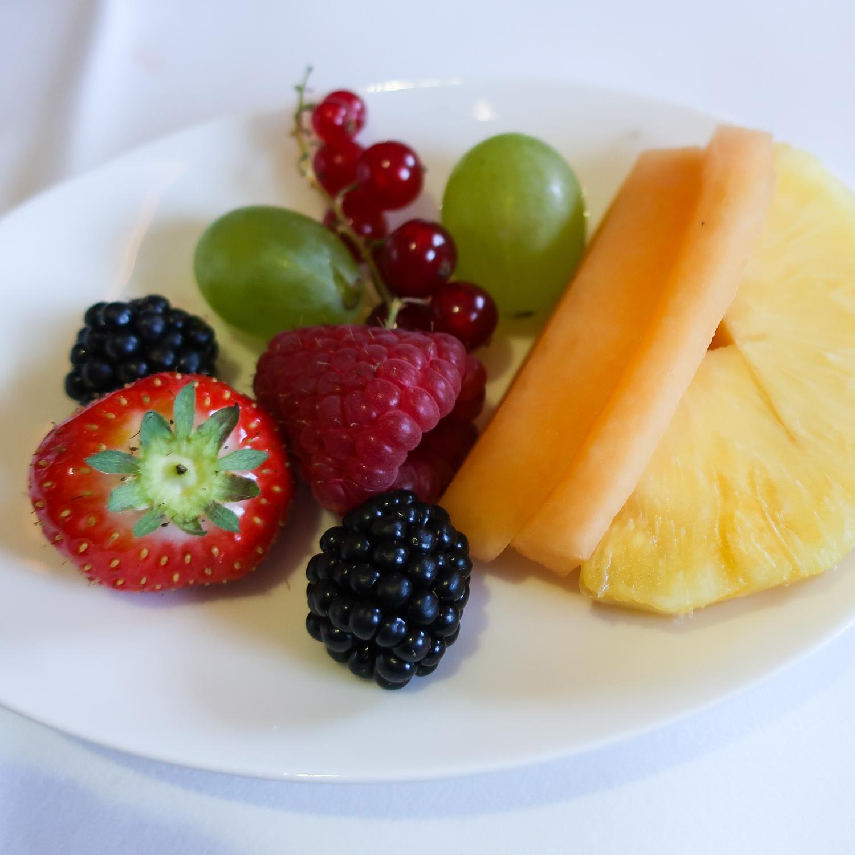 Breakfast Fruits - Lufthansa First Class  Photo: Calvin Wood