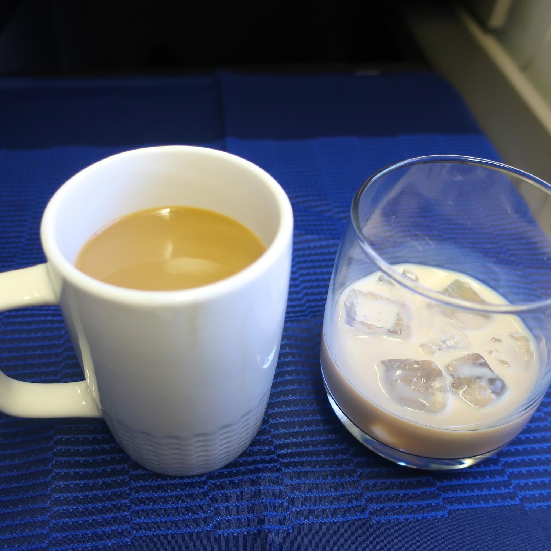Coffee & Baileys - United Polaris Business  Photo: Calvin Wood