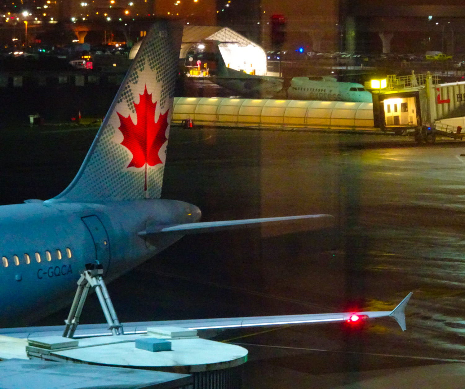 Tarmac Views - Air Canada Lounge - Vancouver  Photo: Calvin Wood