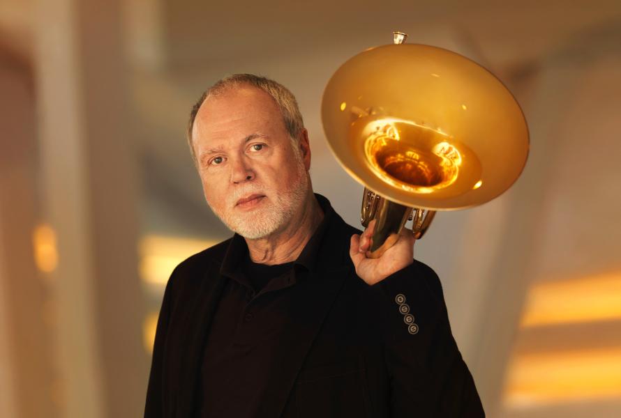 Fergus McWilliam, Horn