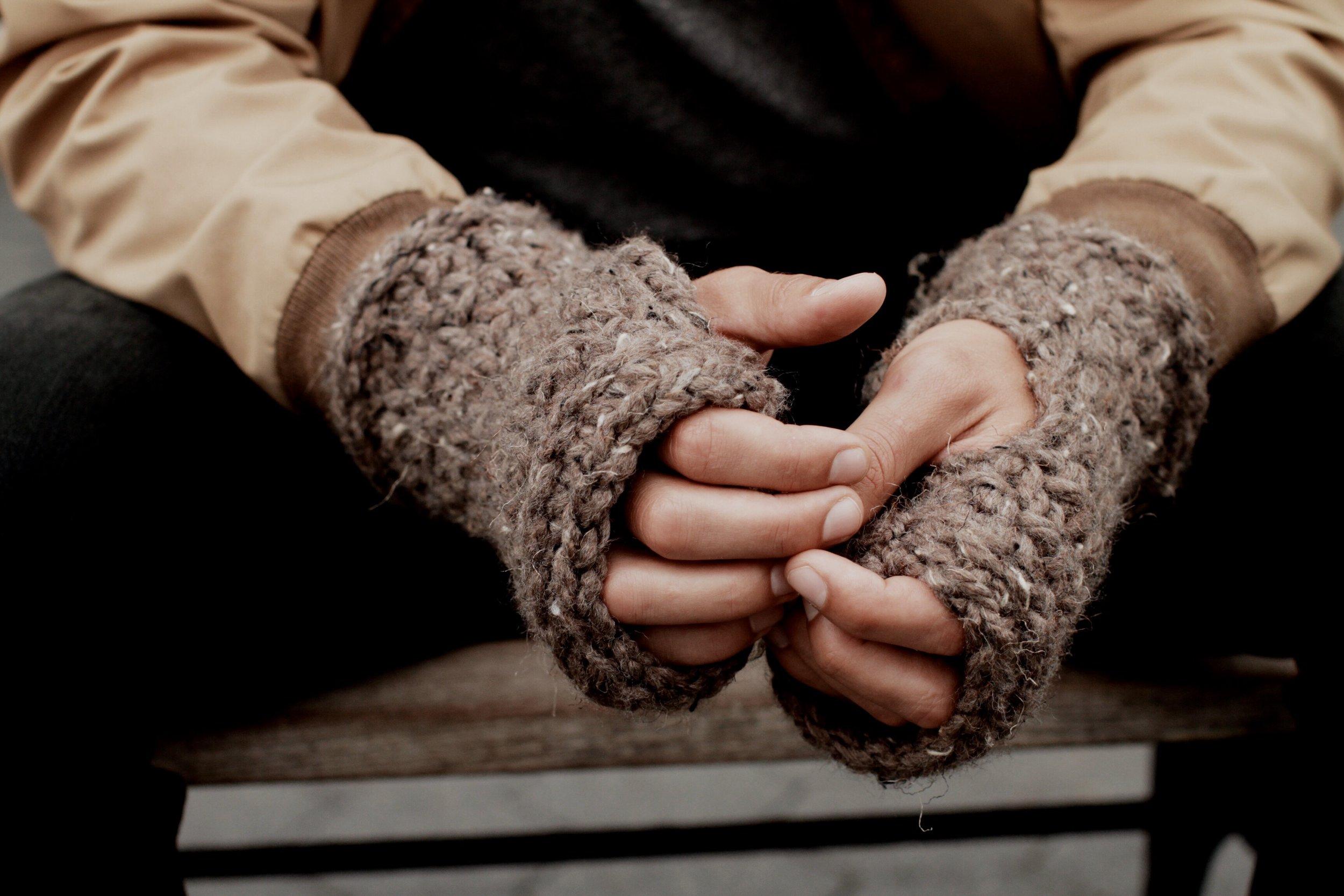 Harbourside Fingerless Gloves Main Photo.jpg