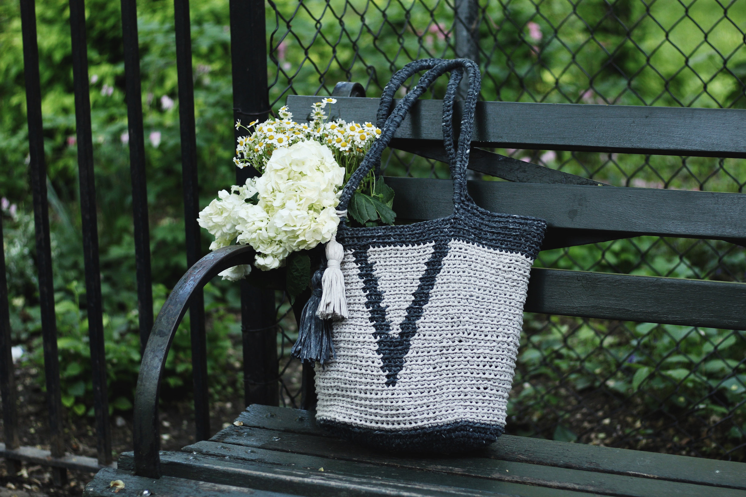 Verona Basket Tote Pattern by Two of Wands
