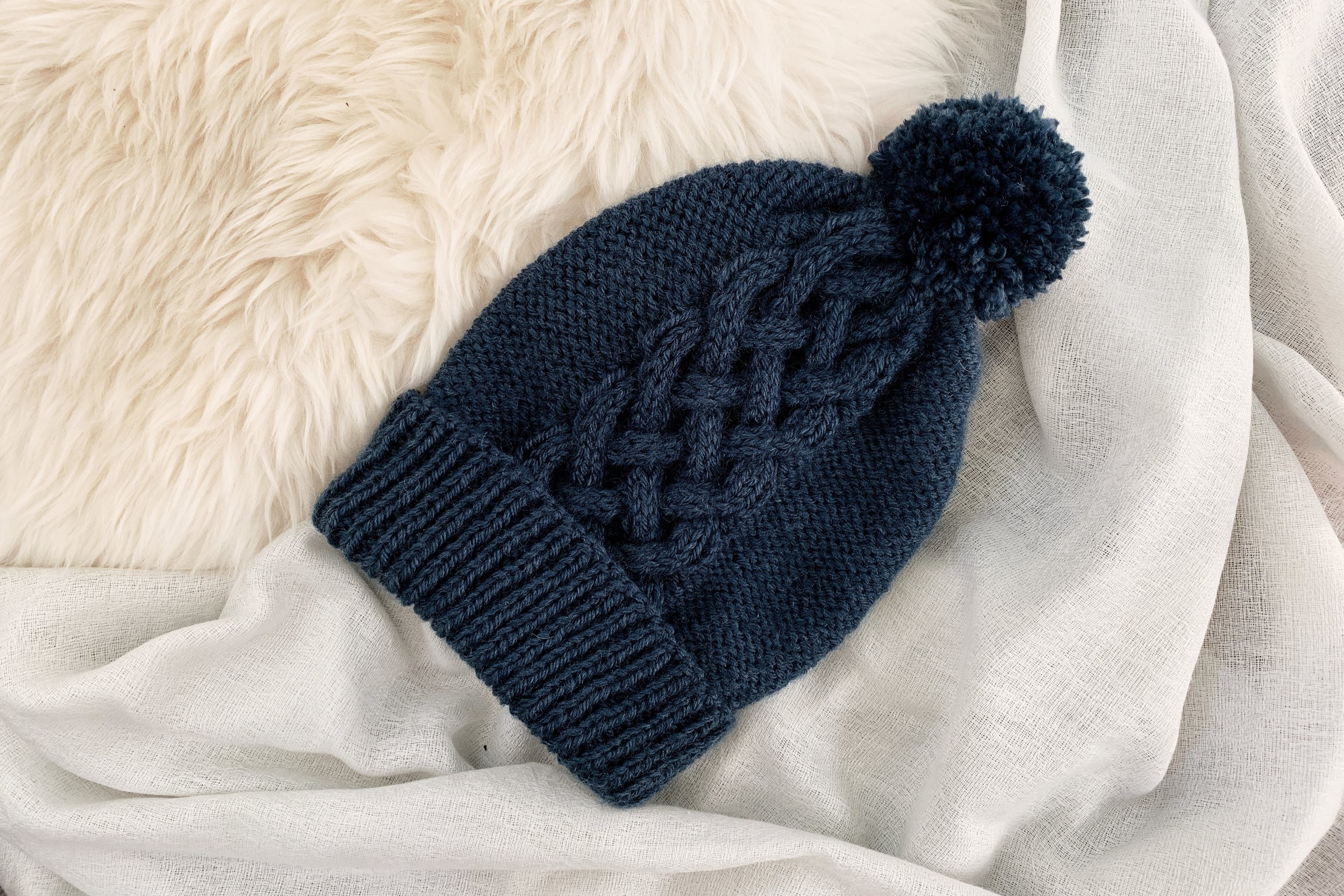 Interwoven Hat pattern by Two of Wands