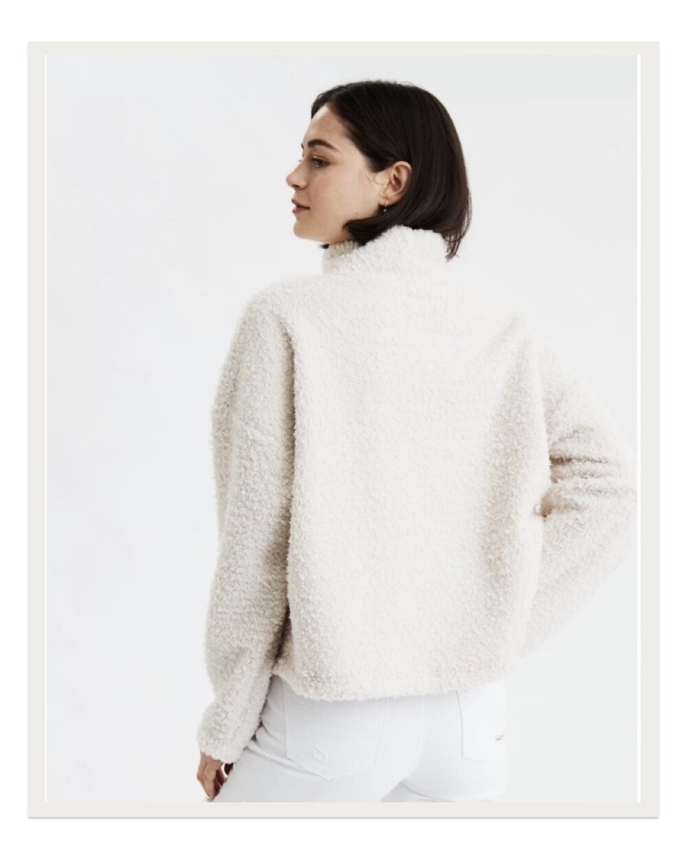 This boxy sherpa mock neck pullover is the epitome of cozy chic. The silhouette is so stylish and modern and I've found this piece to be acceptable for everything from sleeping to drinks out with friends.