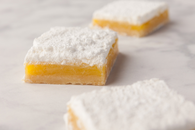 food_photography_lemon_bar_best_sacramento_bakery_fair_oaks_white_sugar_yellow.jpg