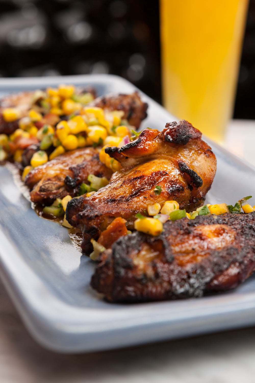 Food_Photography_beer_specials_best_happy_hour_cocktails_craft_brew_chicken_wings_corn.jpg