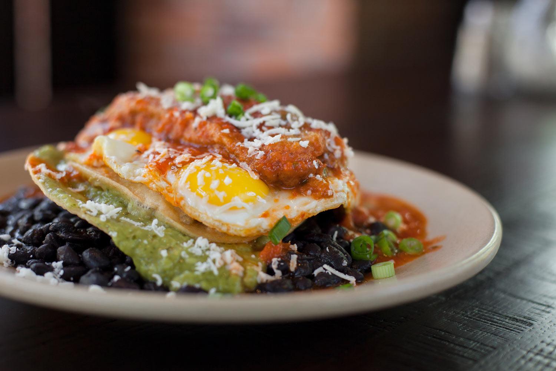 Food_Photography_Chile_Relleno_Egg_Brunch_Sarcamento_black_Beans.jpg