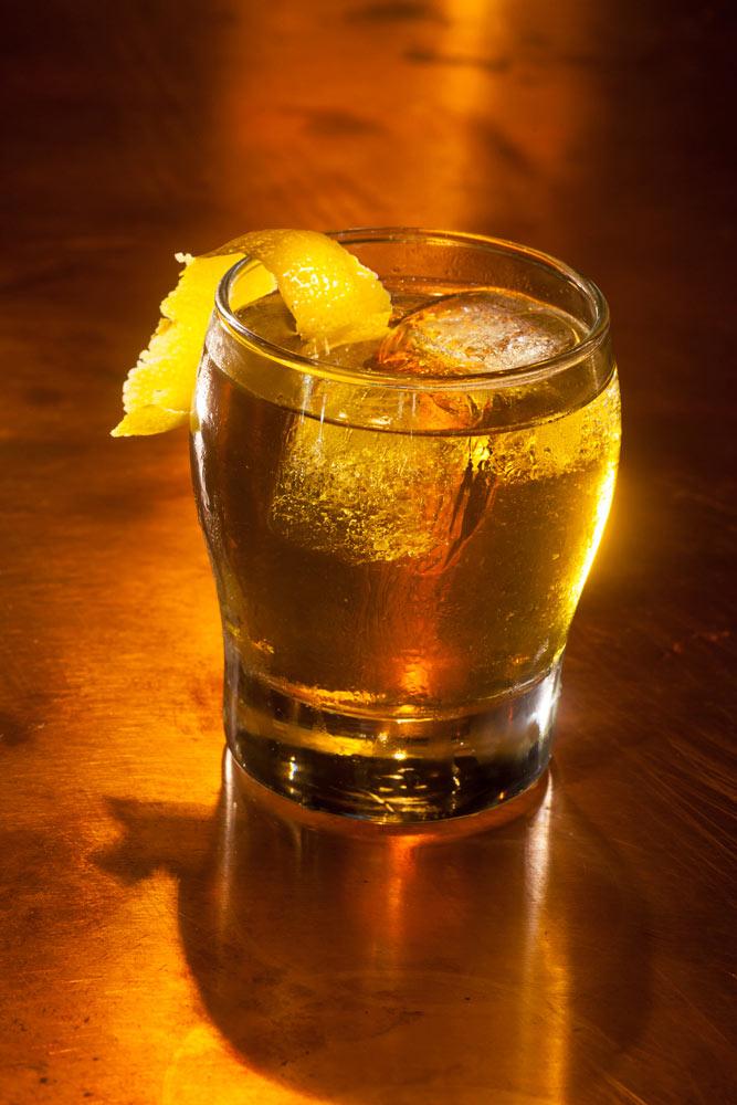 Food_photography_Cocktail_Craft_Whiskey_Lemon_Bourbon_On_the_rocks_Tavern_Bar.jpg