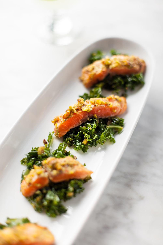 Food_Photography_salmon_happy_hour_dinner_menu_white_wine_kale_light_food.jpg