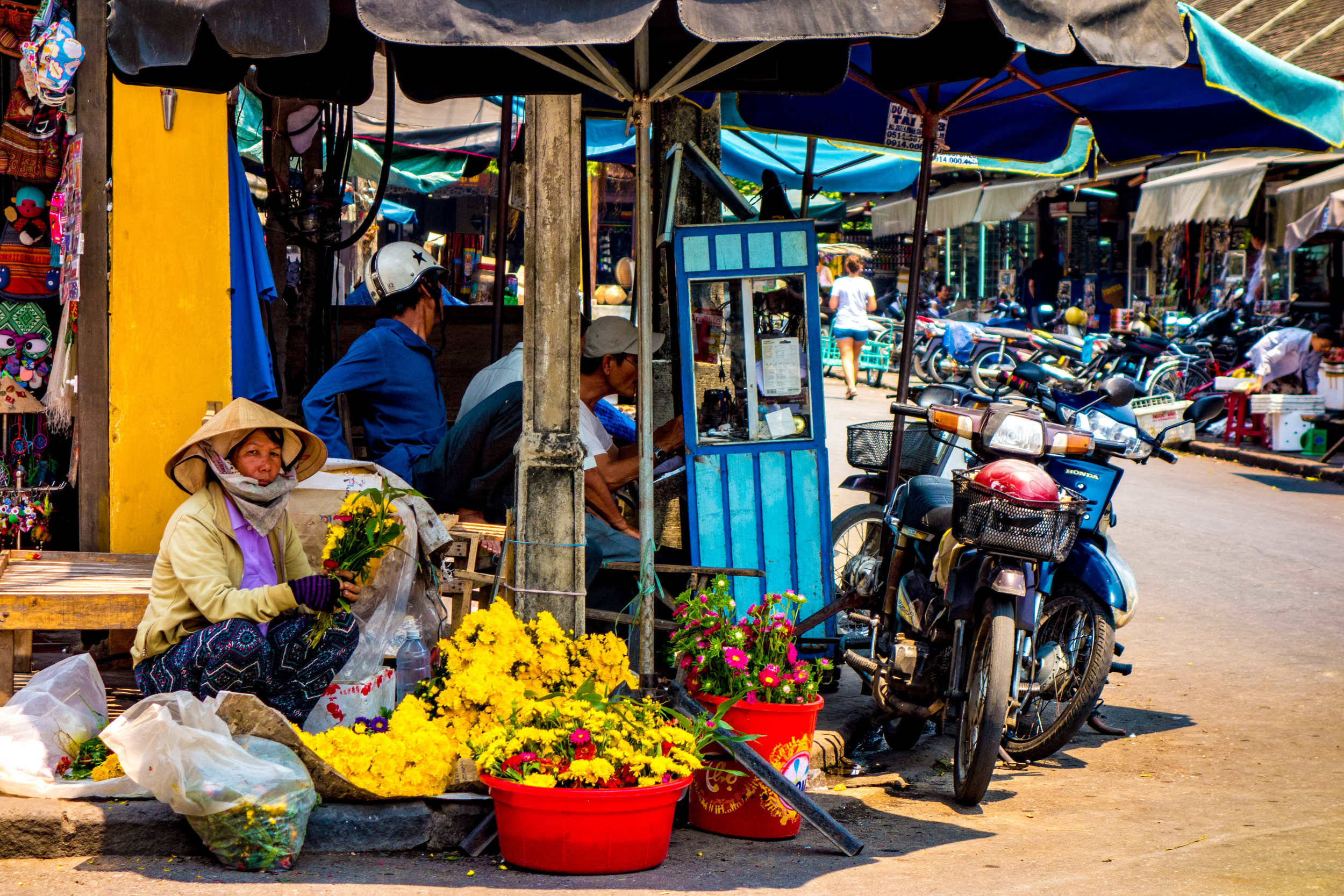 Street vendor in Hoi An, Vietnam