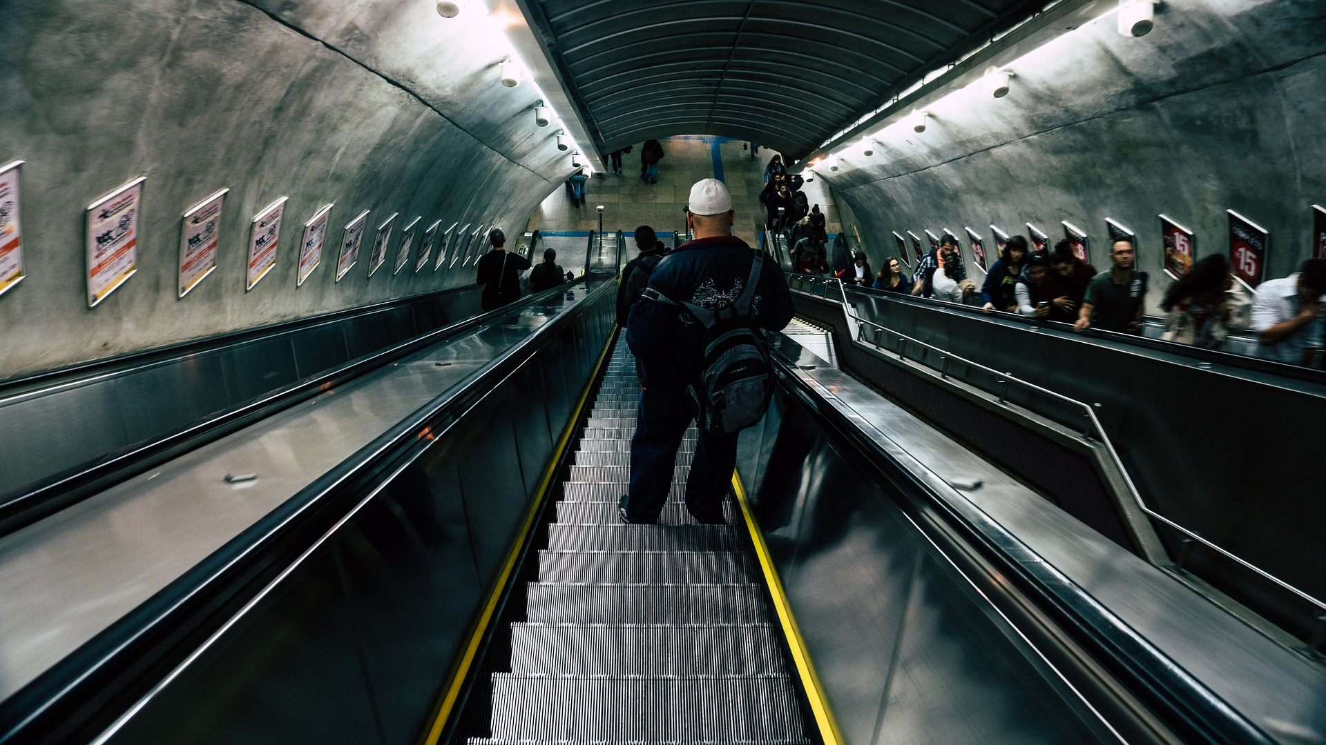 This is not a Hungarian escalator. Hungarian escalators are far more terrifying.