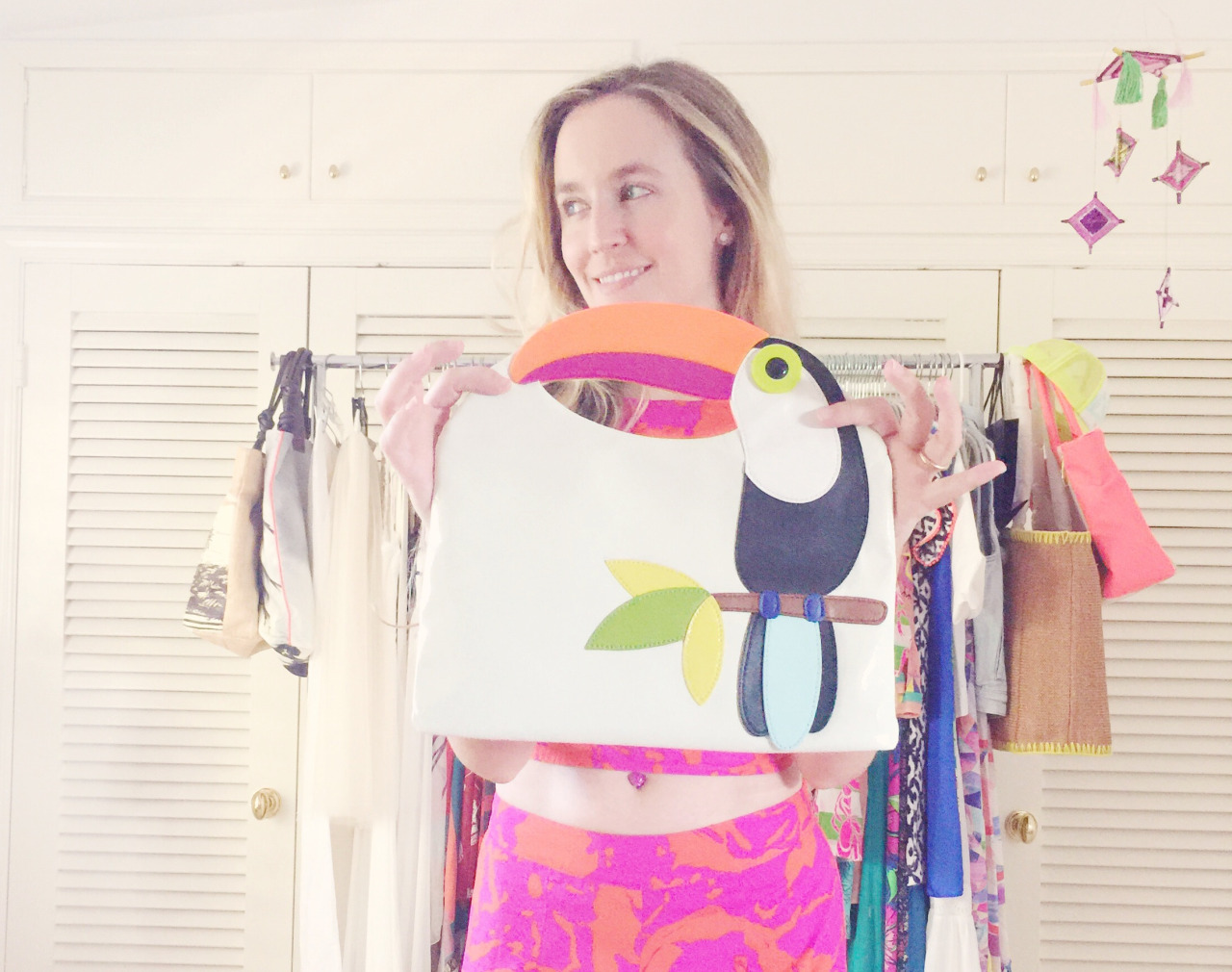 i love this  toucan bag .