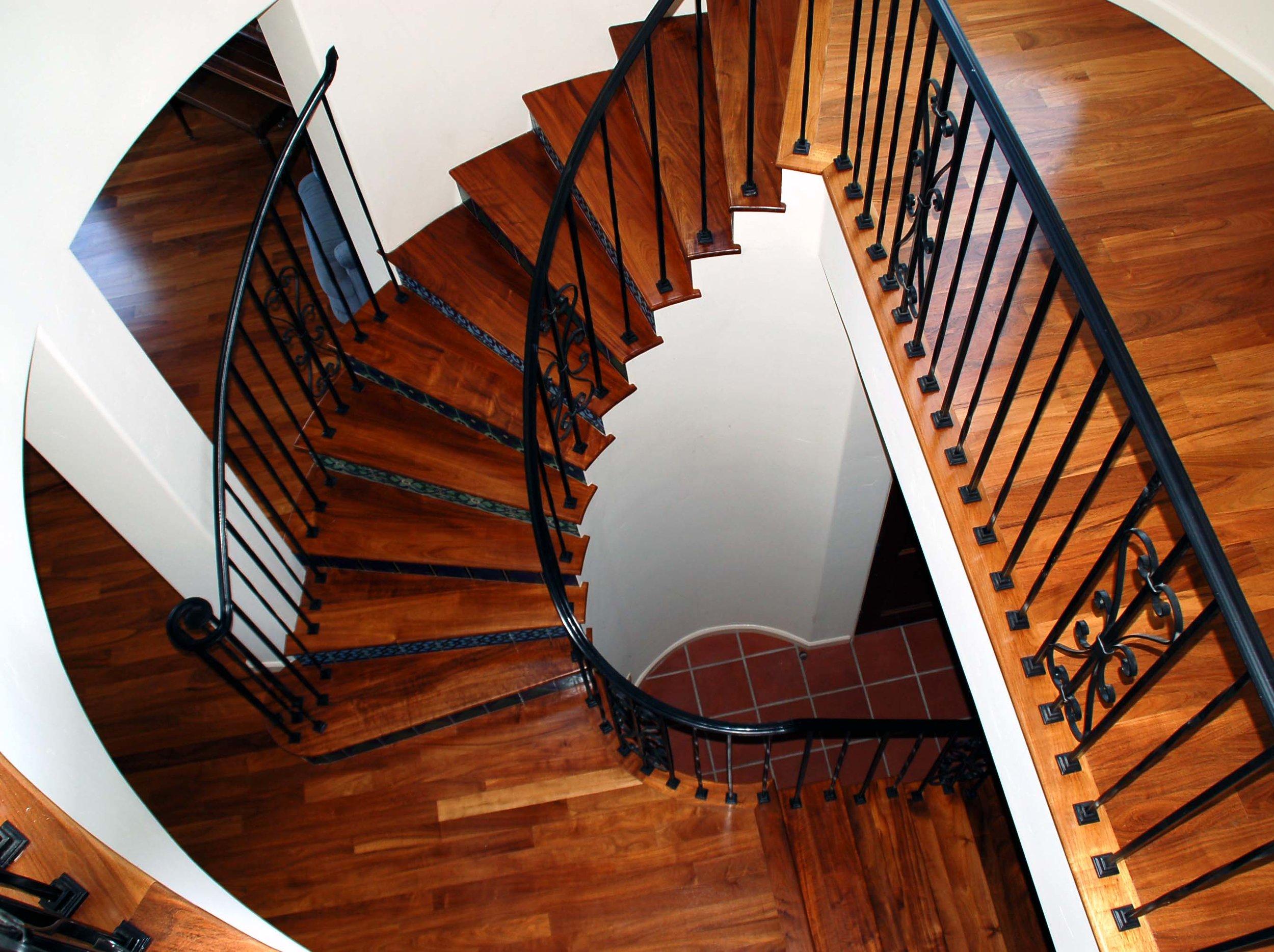 16 Kern - Stairs.jpg