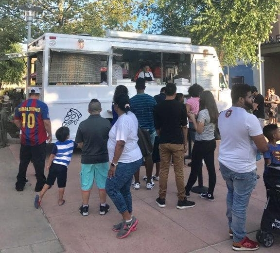 Abeetz Food Truck with Customers