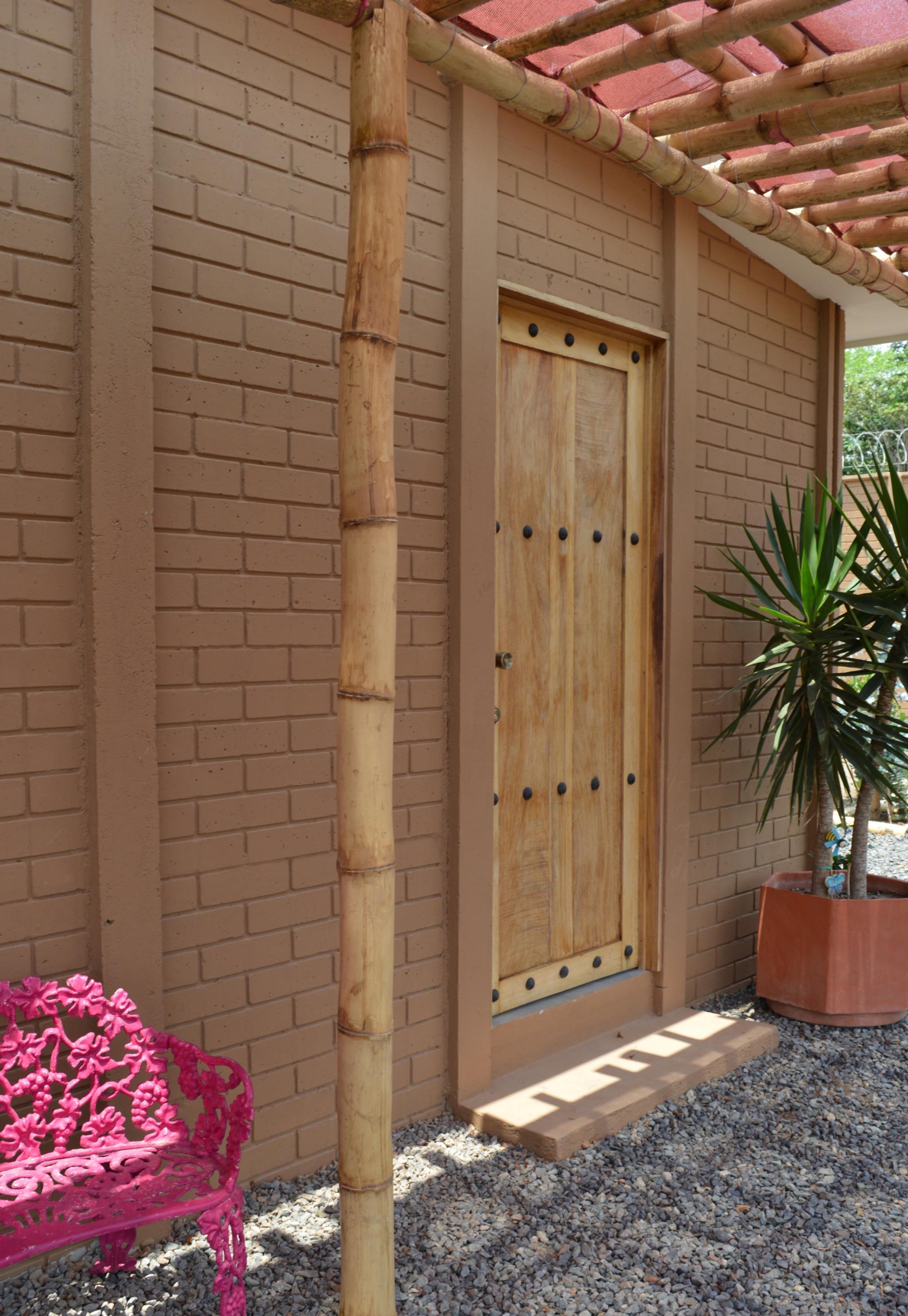 Diferentes acabados, con paredes prefabricadas de concreto.