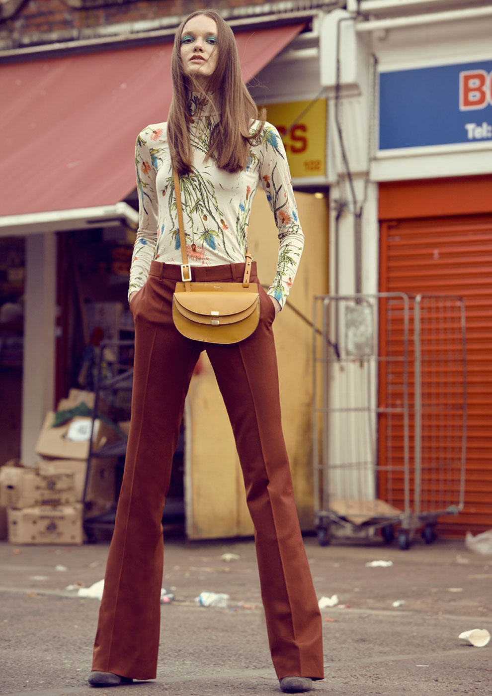 WW03Editorial_PlaidsAndTweed_London-Market7.jpg