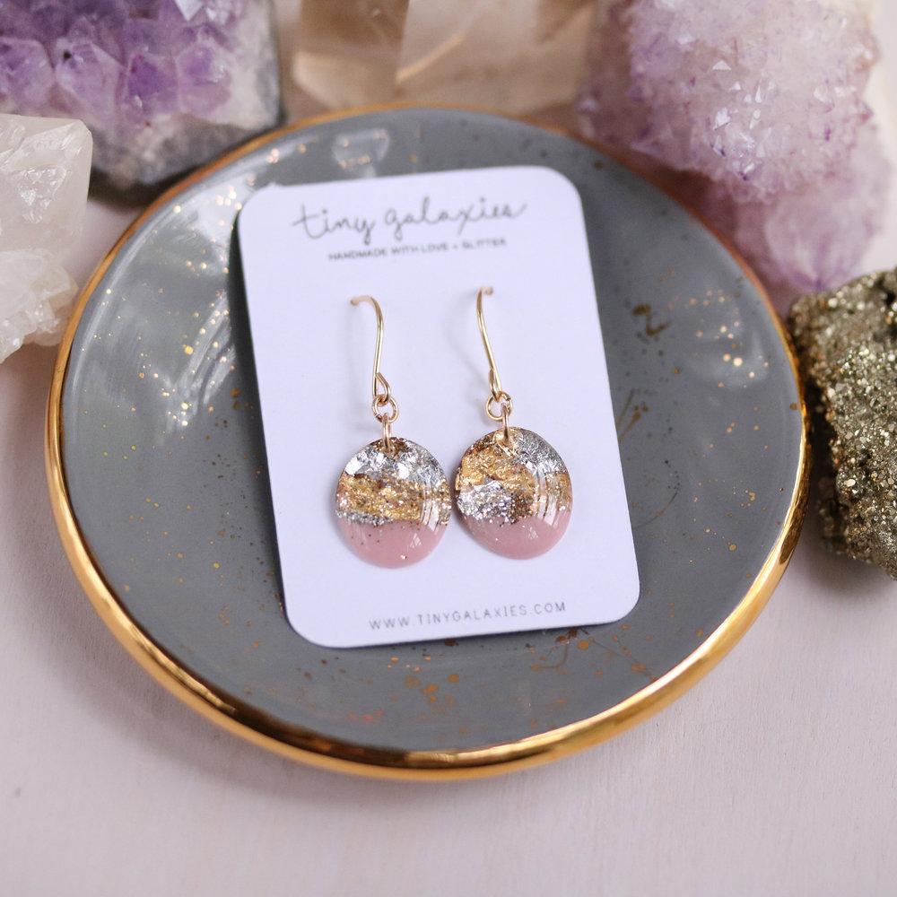 Soft Pink /& Goldleaf Oval Earrings