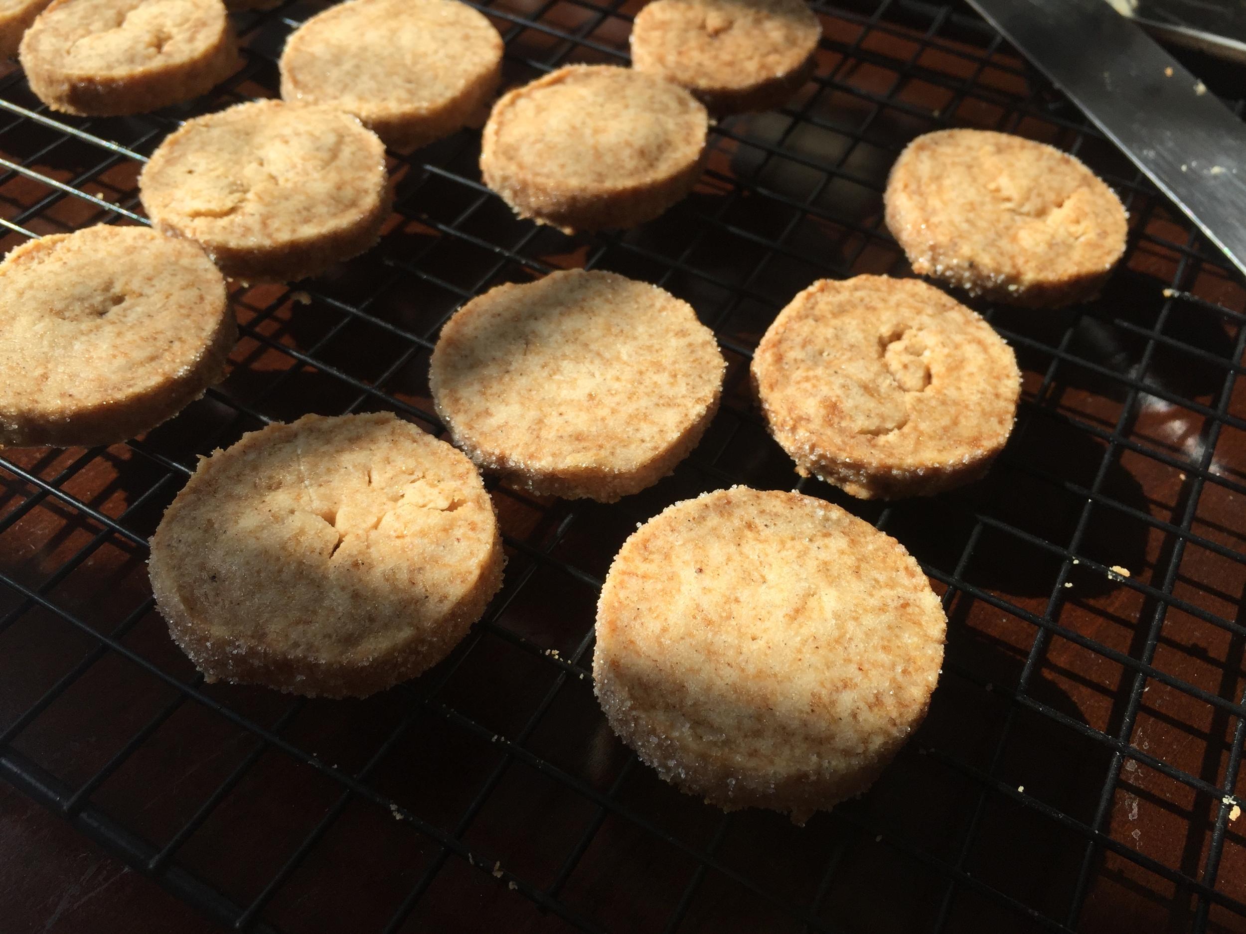 bourbon-brown-butter-vanilla-shortbread-cookie