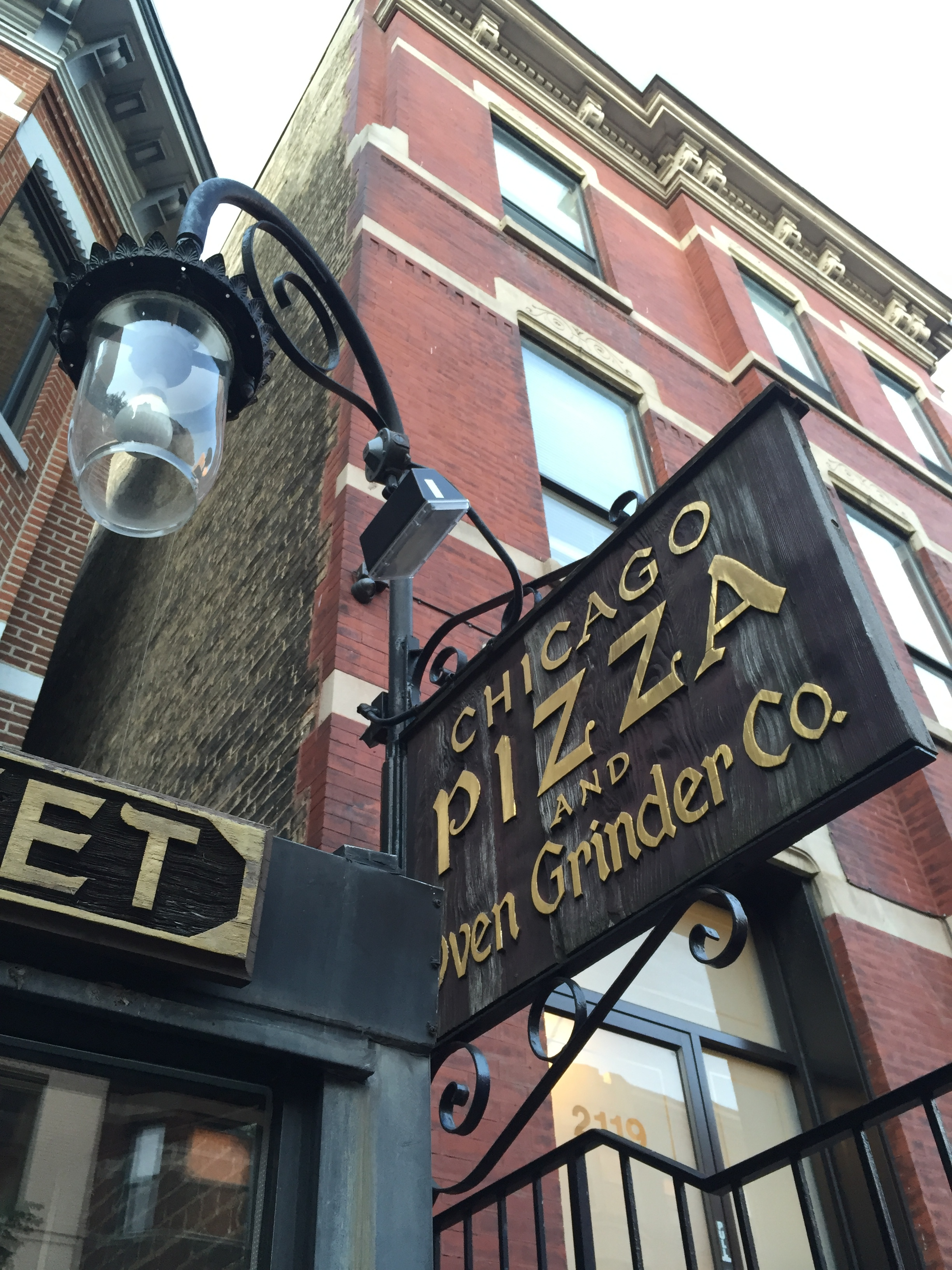 chicago-restaurants-pizza-pot-pie-lincoln-park