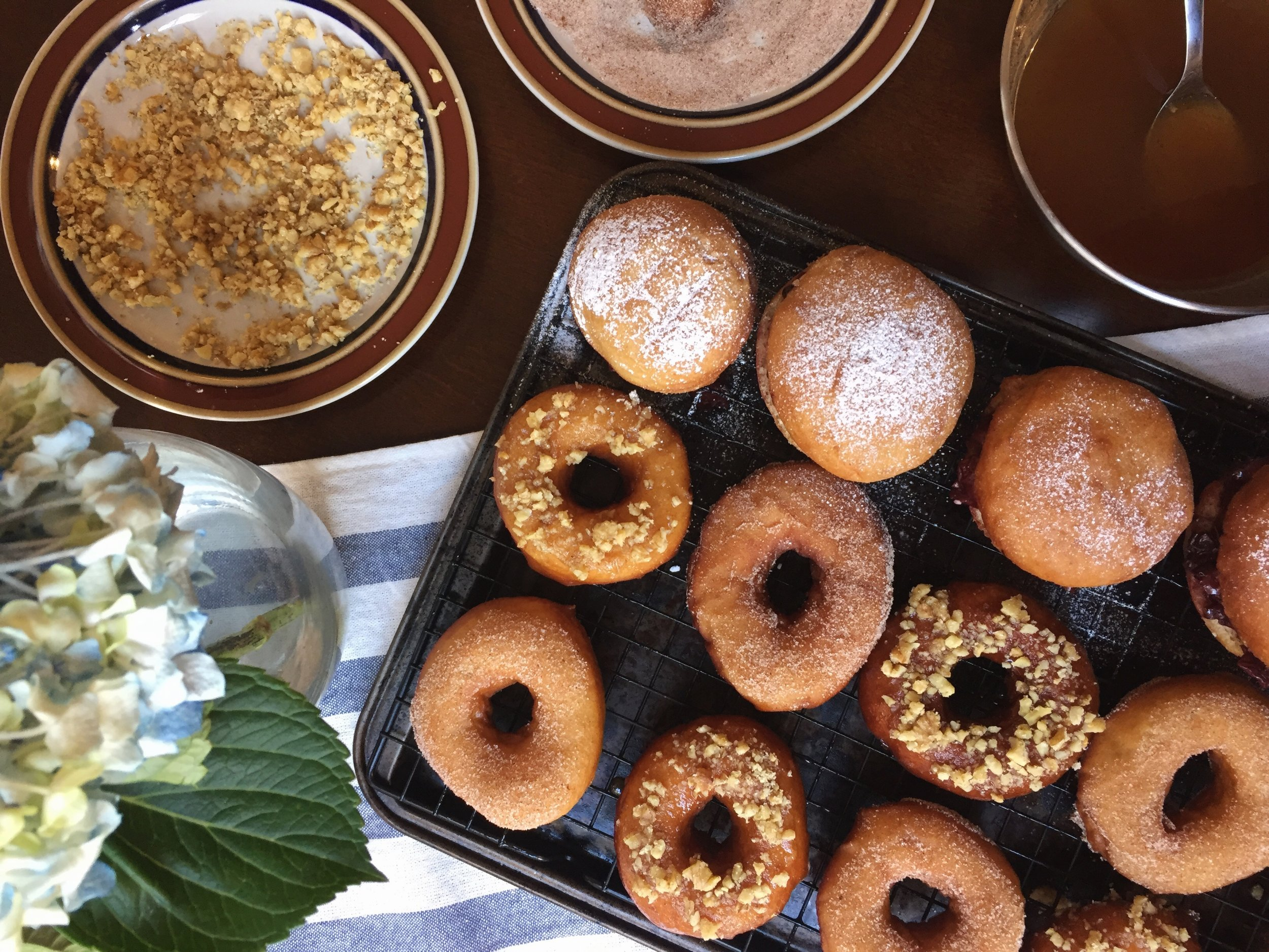 extra-appley-yeasted-apple-cider-doughnuts-set