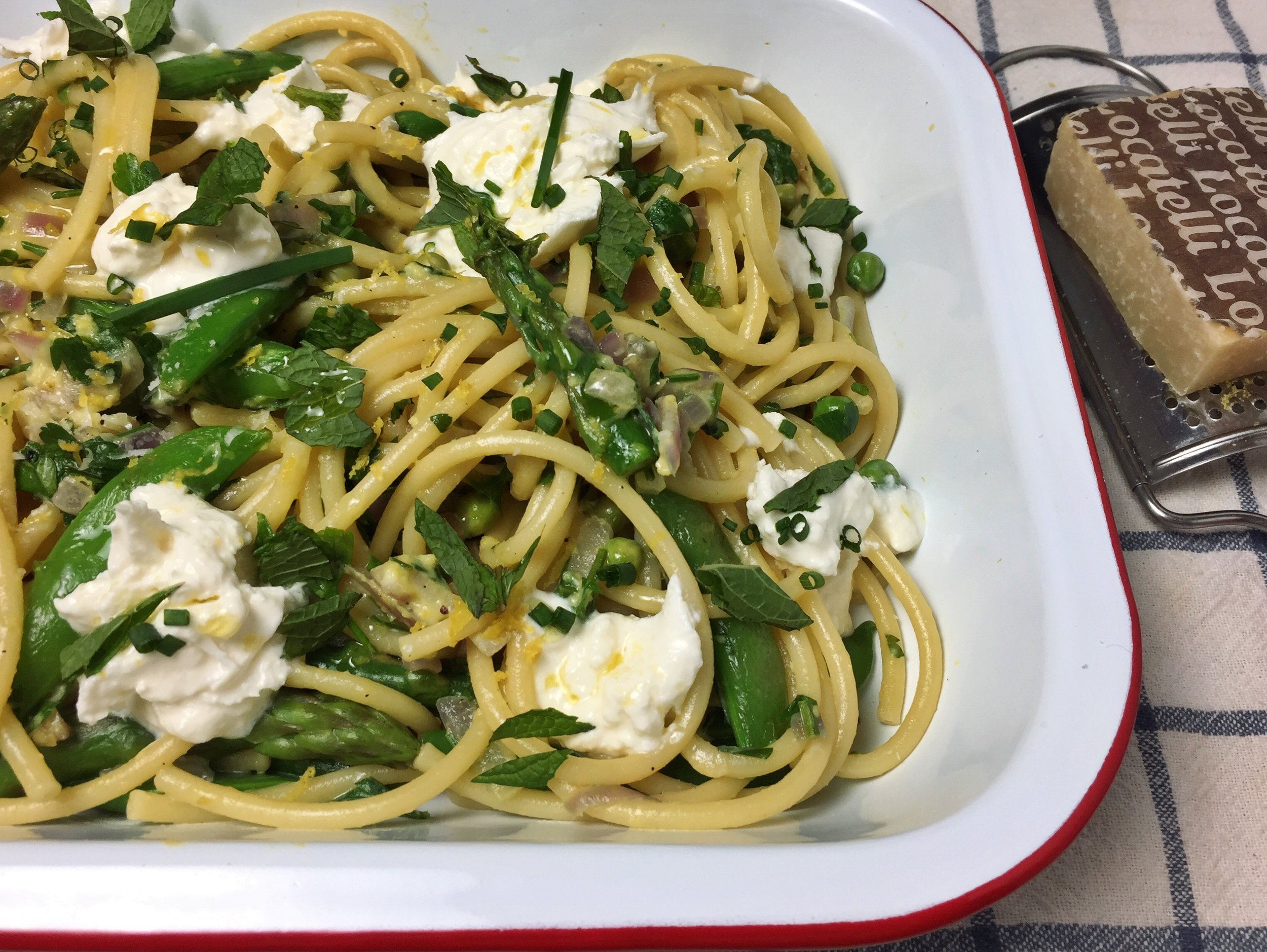 spring-carbonara-vegetables-lemon-burrata-close