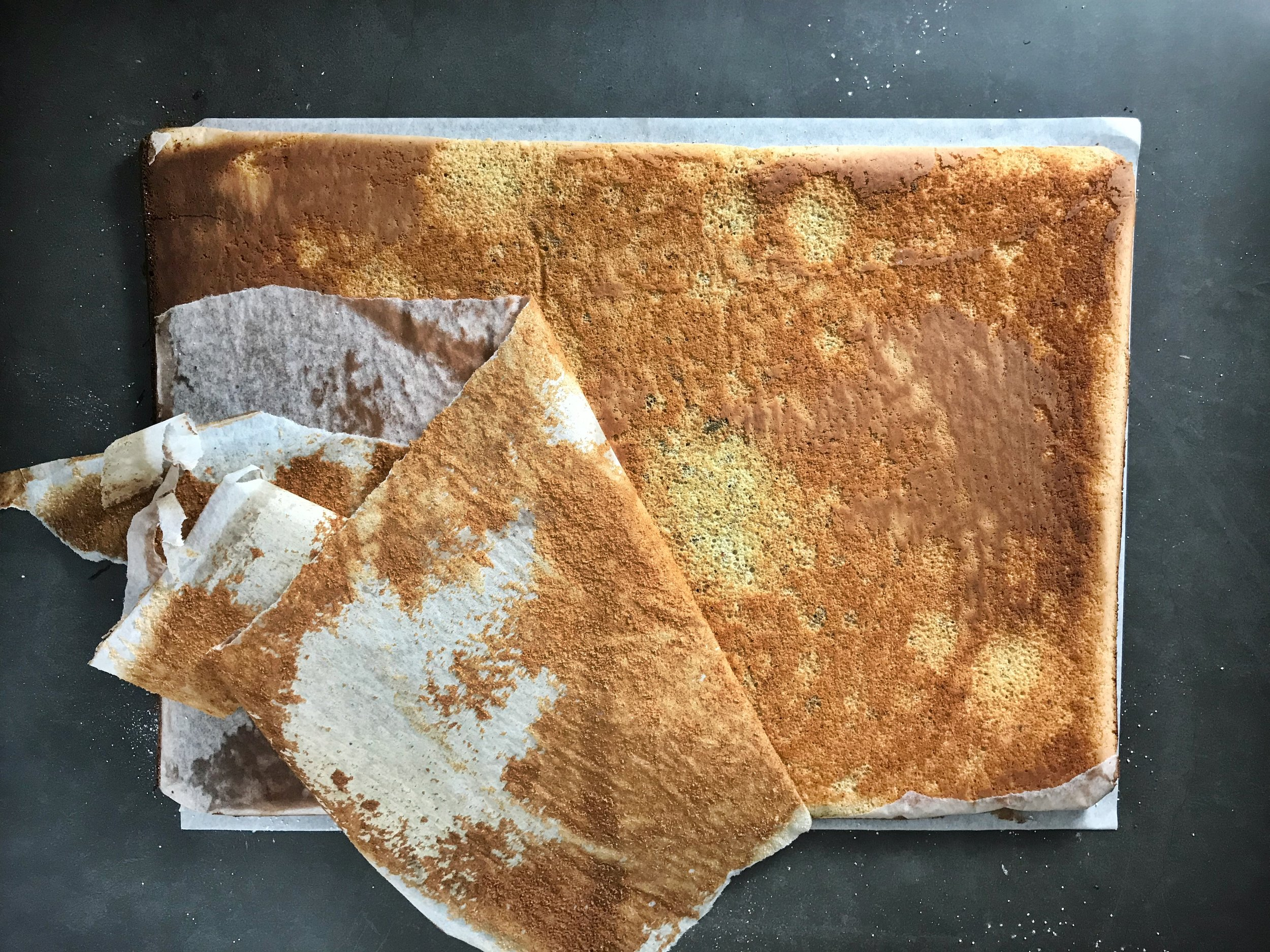strawberry-pistachio-buttercream-roulade-cake