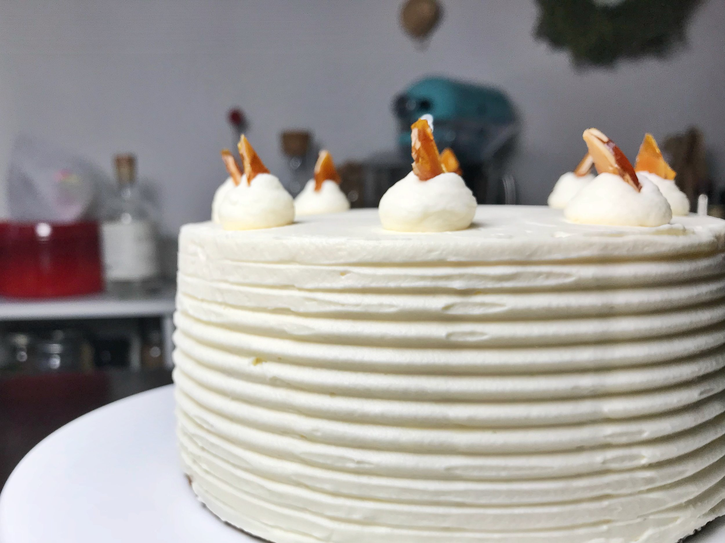 24hourkitchen-sweet-dessert-almond-nougatine-chocolate-mascarpone-layer-cake