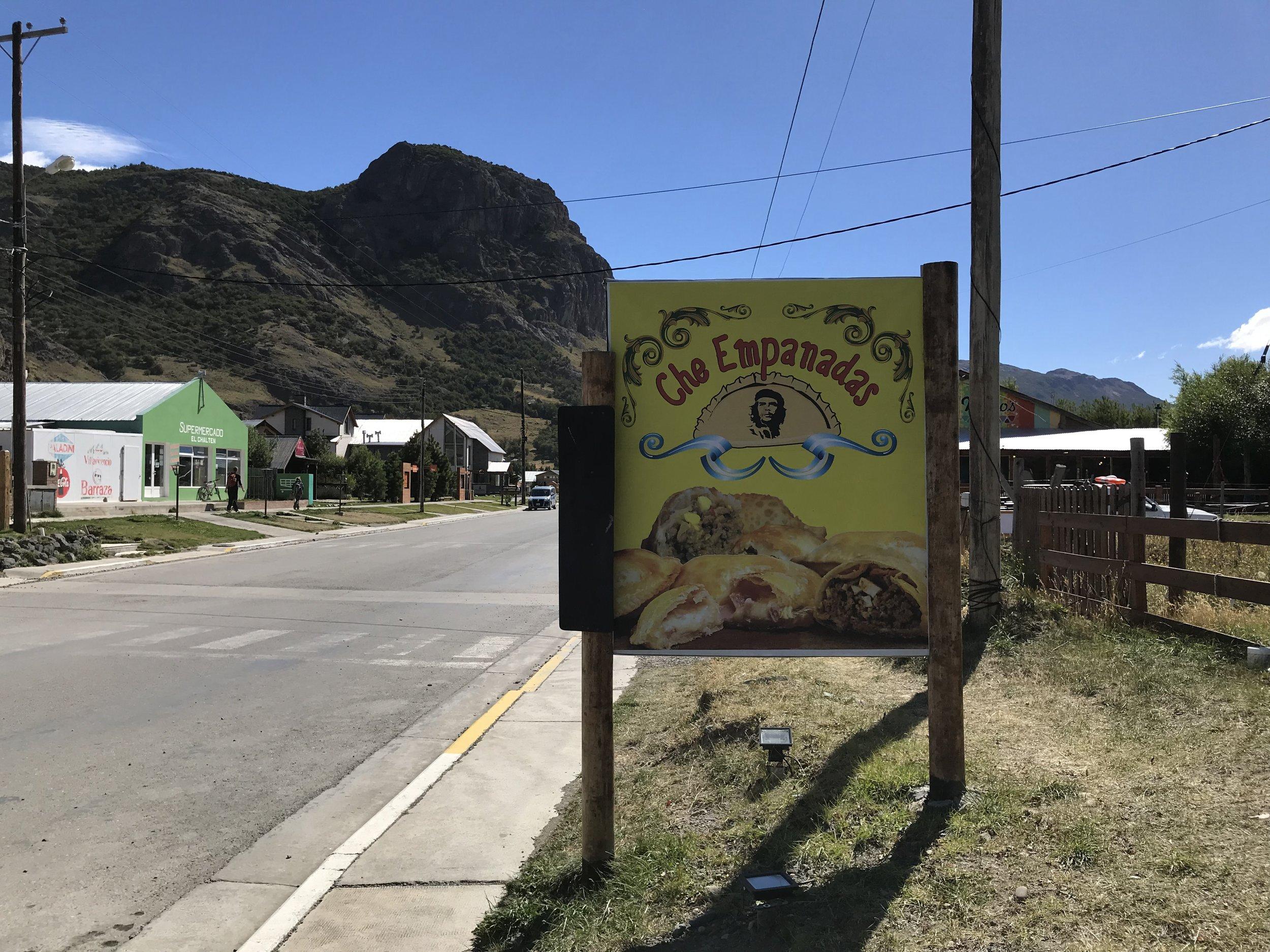 24hourkitchen-travel-argentina-el-chalten-patagonia-che-empanada