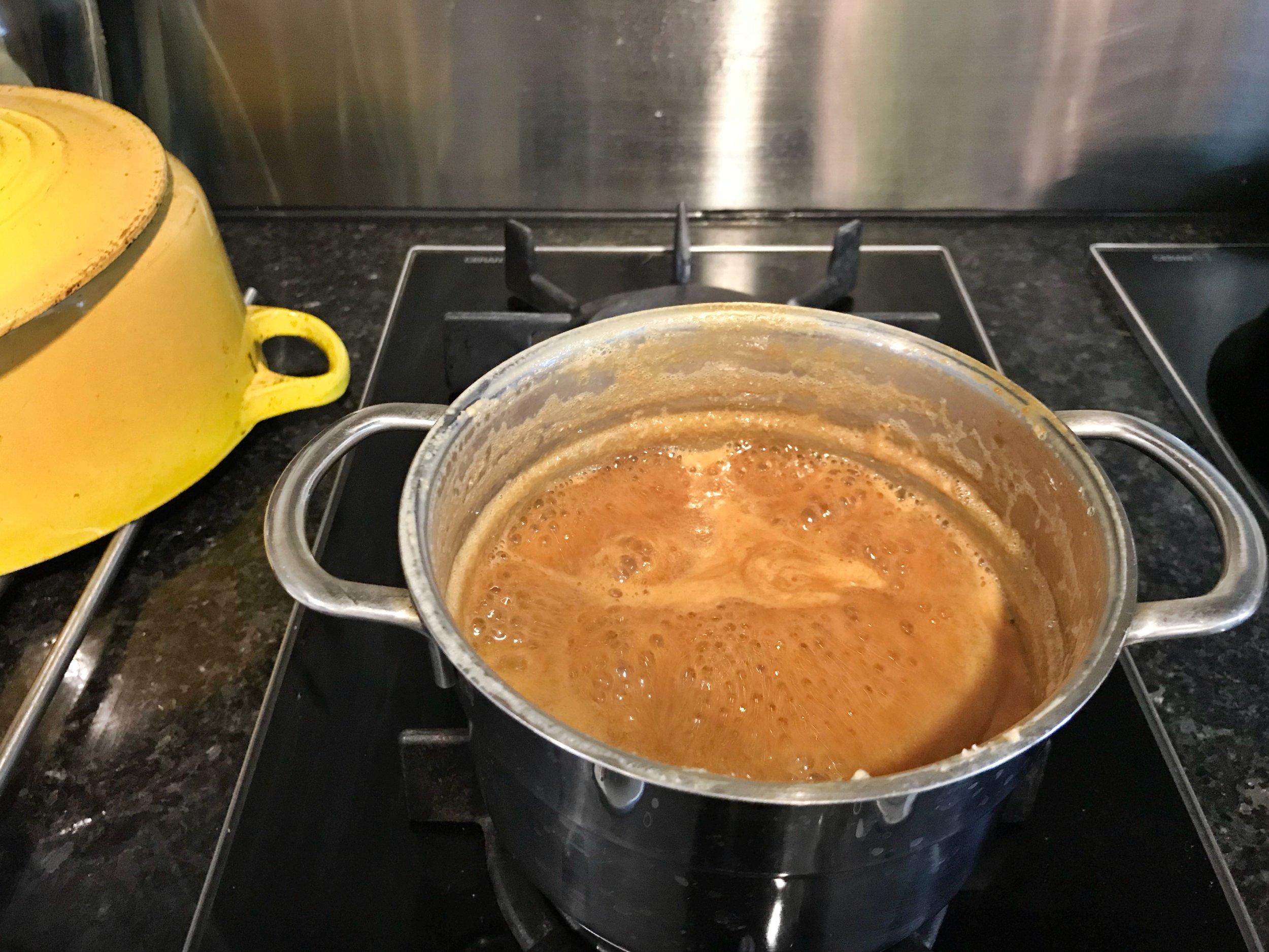 24hourkitchen-recipes-chilean-torta-de-milhojas-dulcedeleche-cake