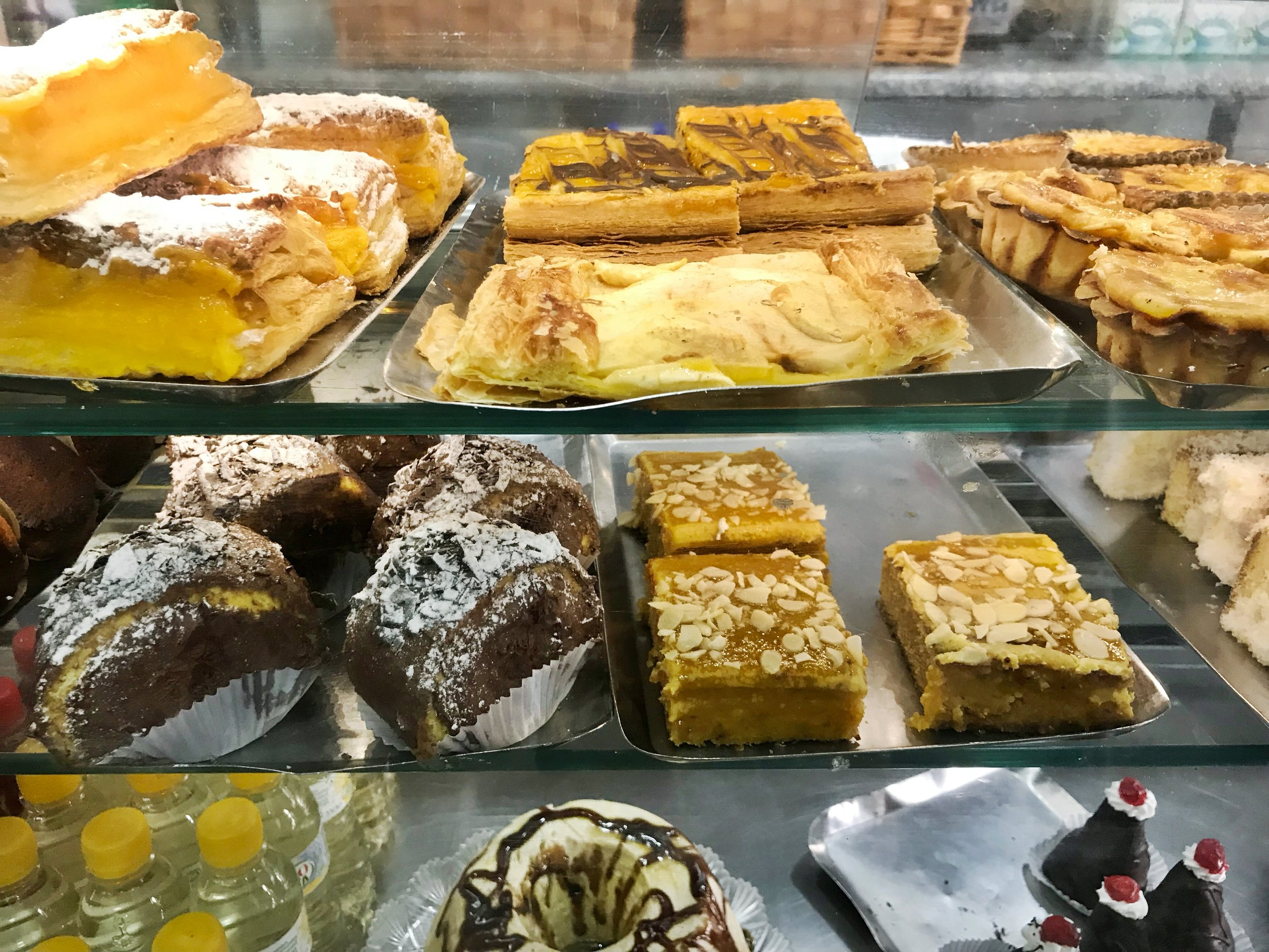 24hourkitchen-travel-guide-to-portuguese-pastries-pastelaria-lisbon-portugal