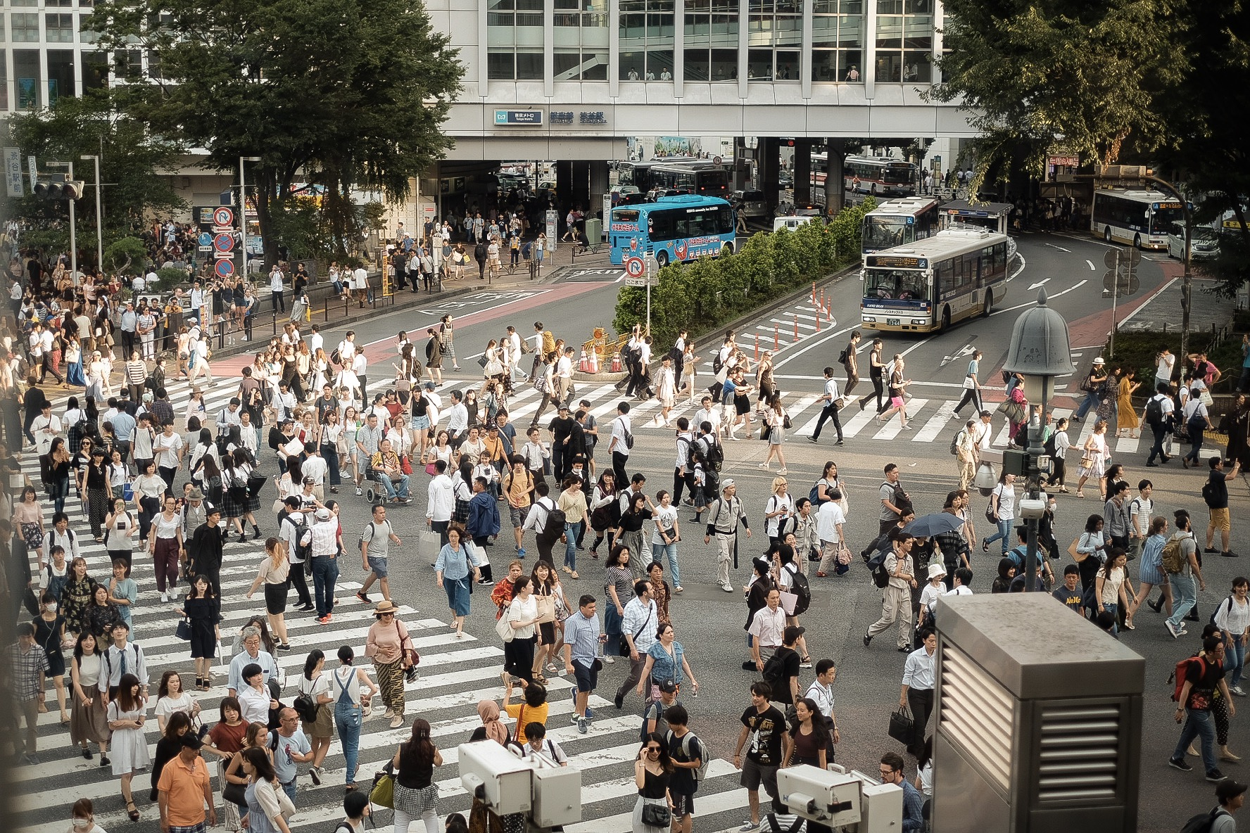 shibuya crossroad 涉谷十字路口