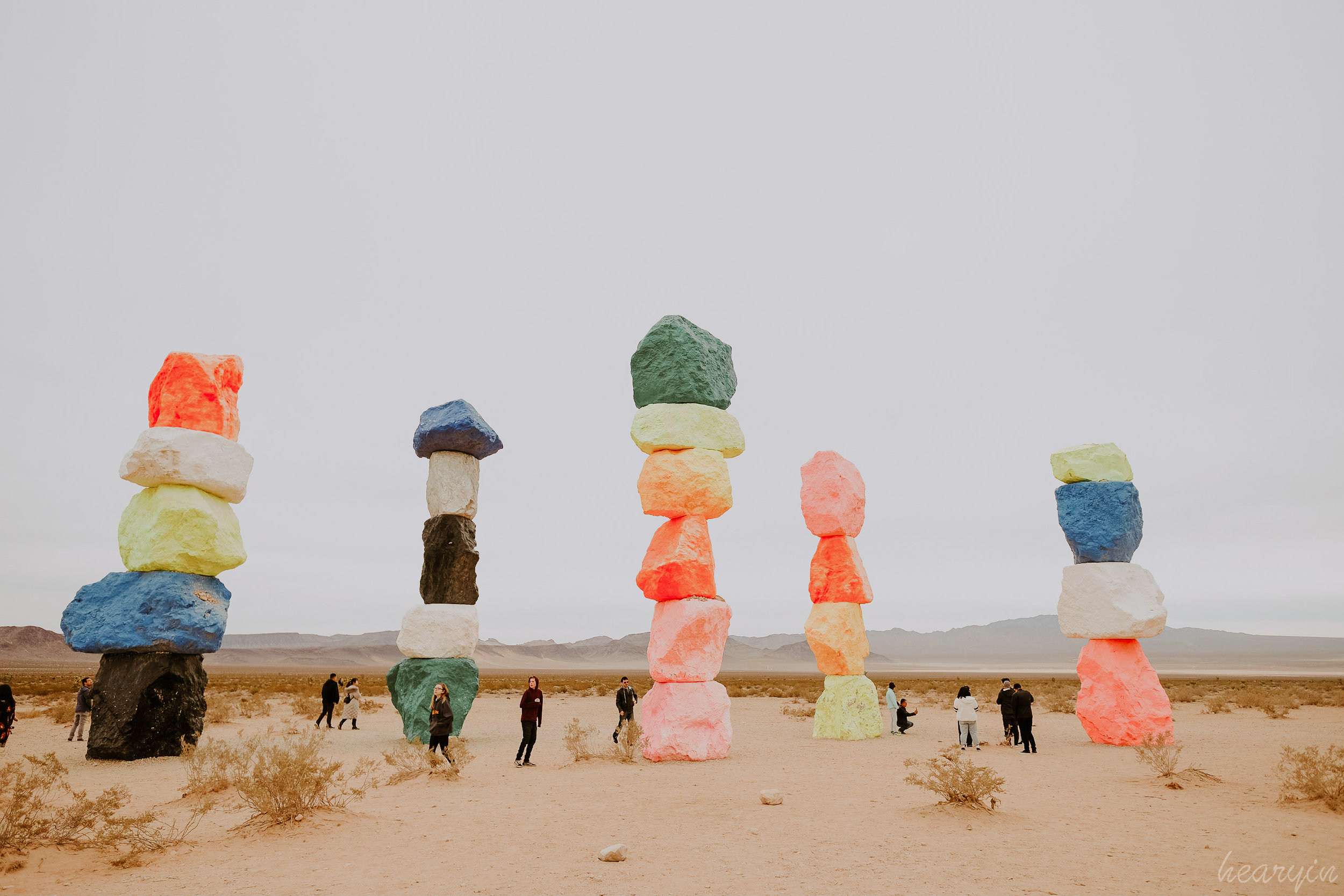 seven magic mountains 七彩石