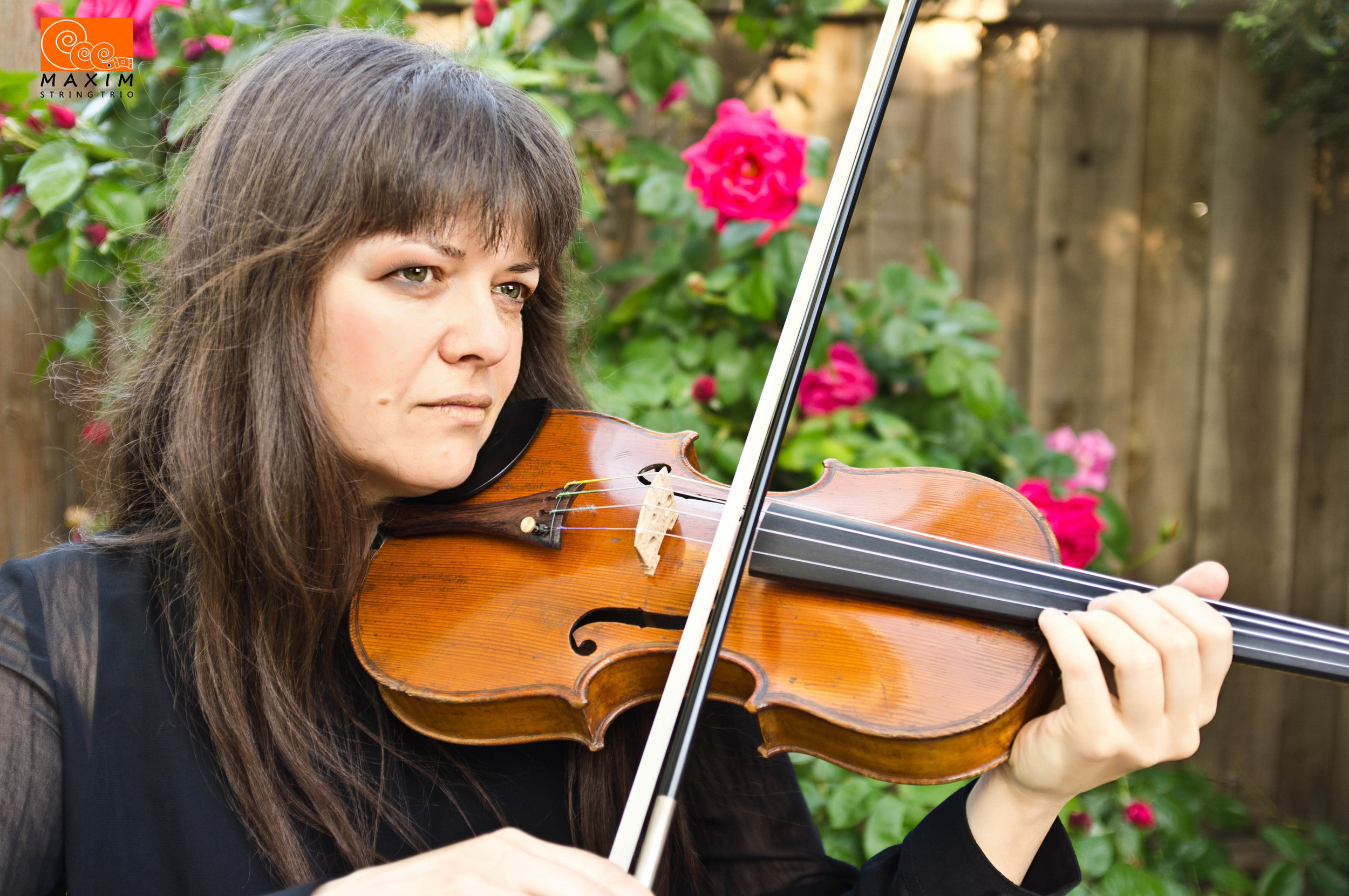 Natasha Vinetskaya - violin Trio Maxim