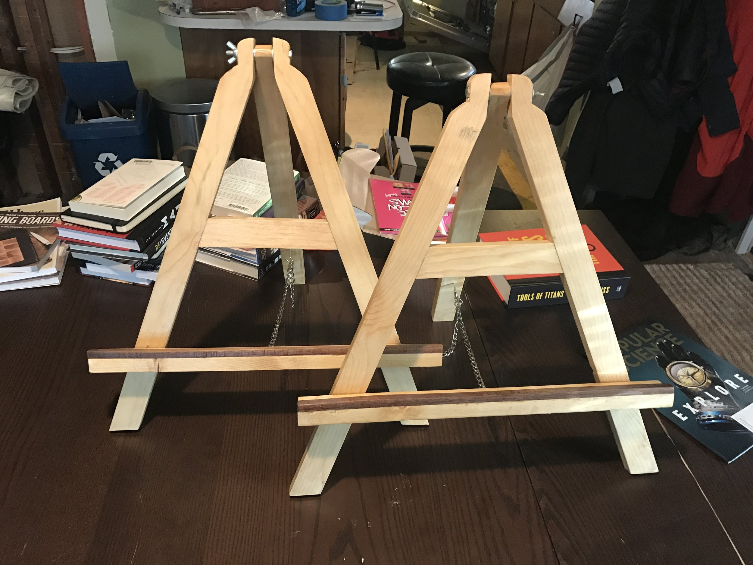 A detail of the easels I made as Christmas presents this year for my niece and girlfriend.