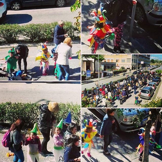 I bambini di Siracusa sfilano con i costumi di carnevale per le strade della città, ma dopo la sfilata li attendomo i dolci tipici della festa! Per saperne di più non perdetevi l'ultimo articolo de #losfizio a breve sul sito