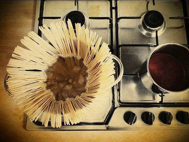 Buon pranzo a tutti da #notabilis  #pastarummo  #spaghettialpomodoro  #pranzoitaliano  #coronadispaghetti  #foodporn