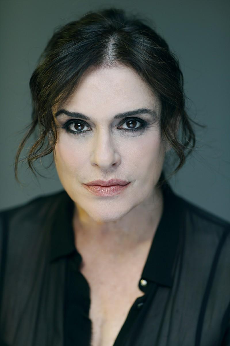 Laura-Marinoni-Elena-di-Euripide-Festival-Teatro-Greco-di-Siracusa-programma-tragedie-2019-stagione.jpg