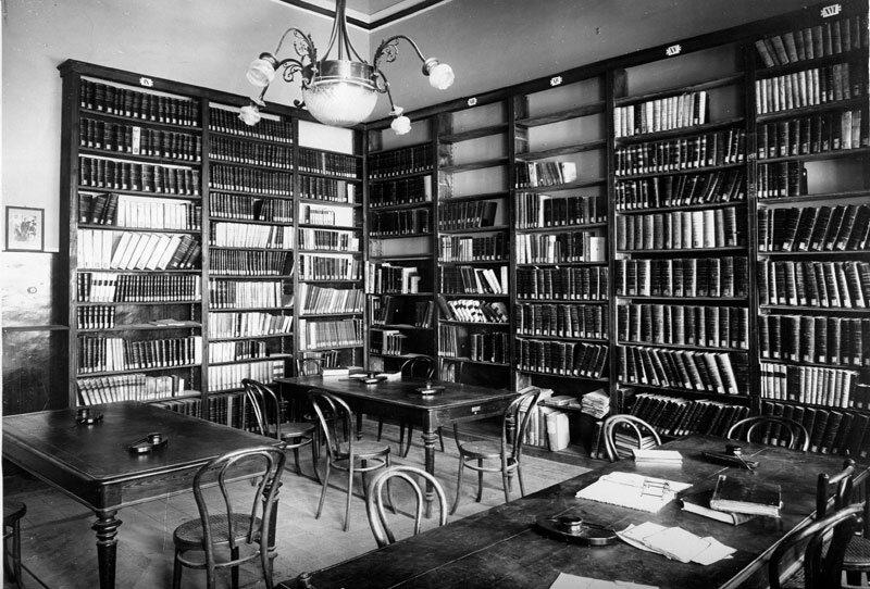 biblioteca regionale universitaria di messina.jpg