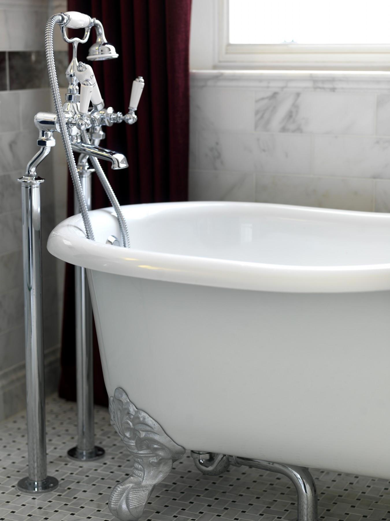 bath taps.jpg