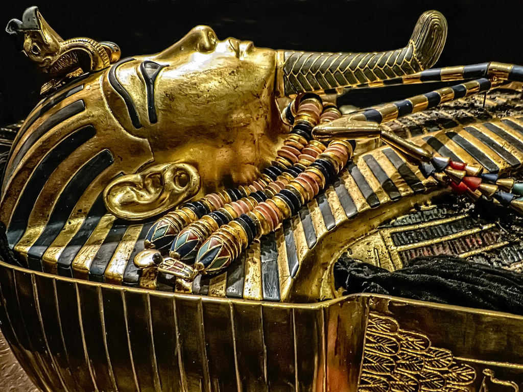 Tutankhamens death mask from 1323 BC (Image credit: Wiki Commons)