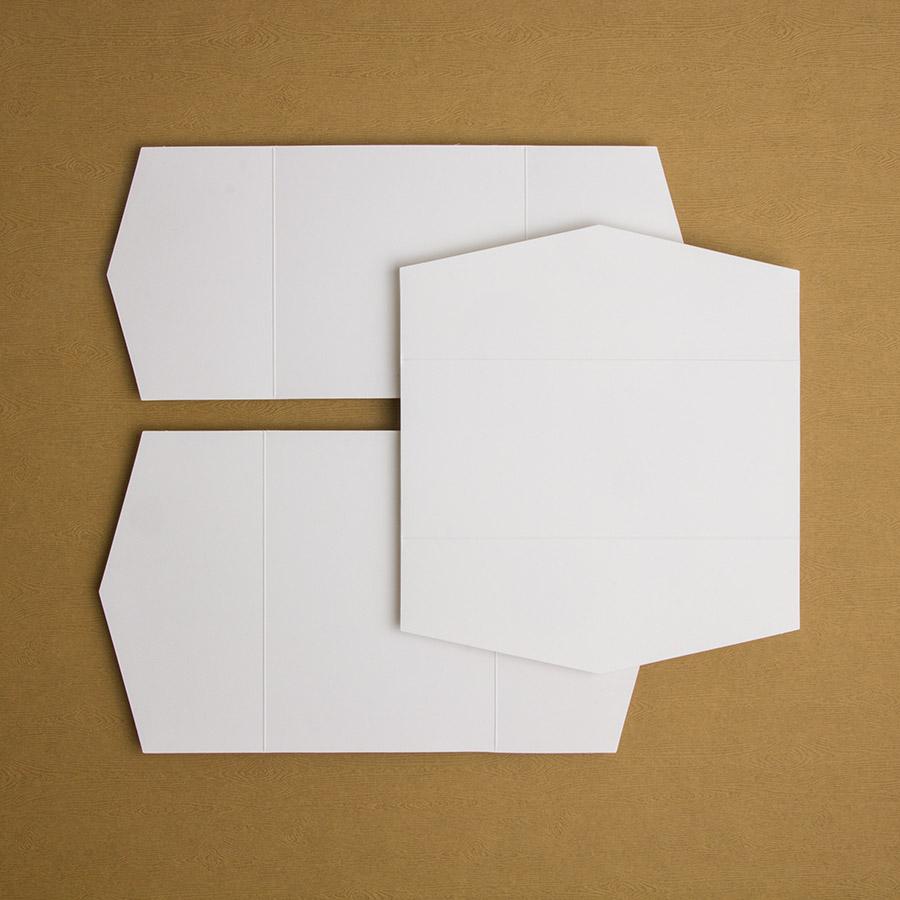Triptyque avec 1 ou 2 rabats en pointe     15x15, 18x18, 13x18, 15x23, 10x23