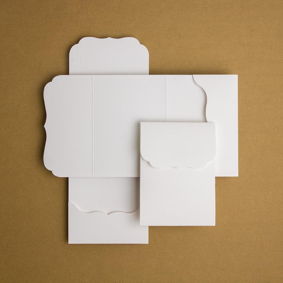 Pochette avec découpe     15x15, 13x18