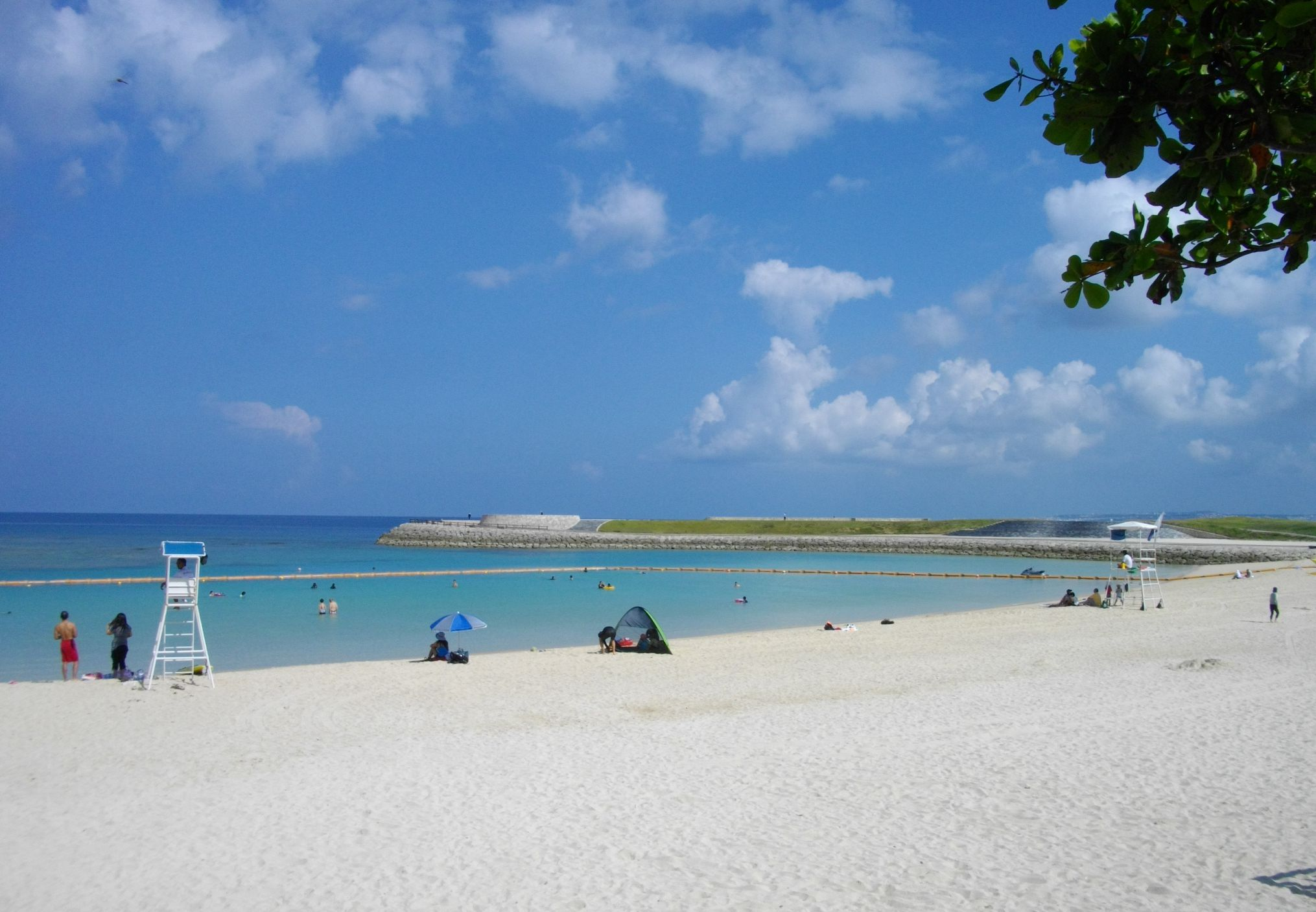 Ginowan_Tropical_Beach_1.jpg