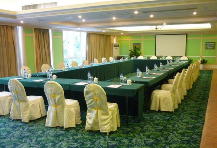 meeting 5.jpg