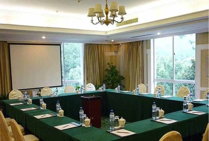 meeting 7.jpg