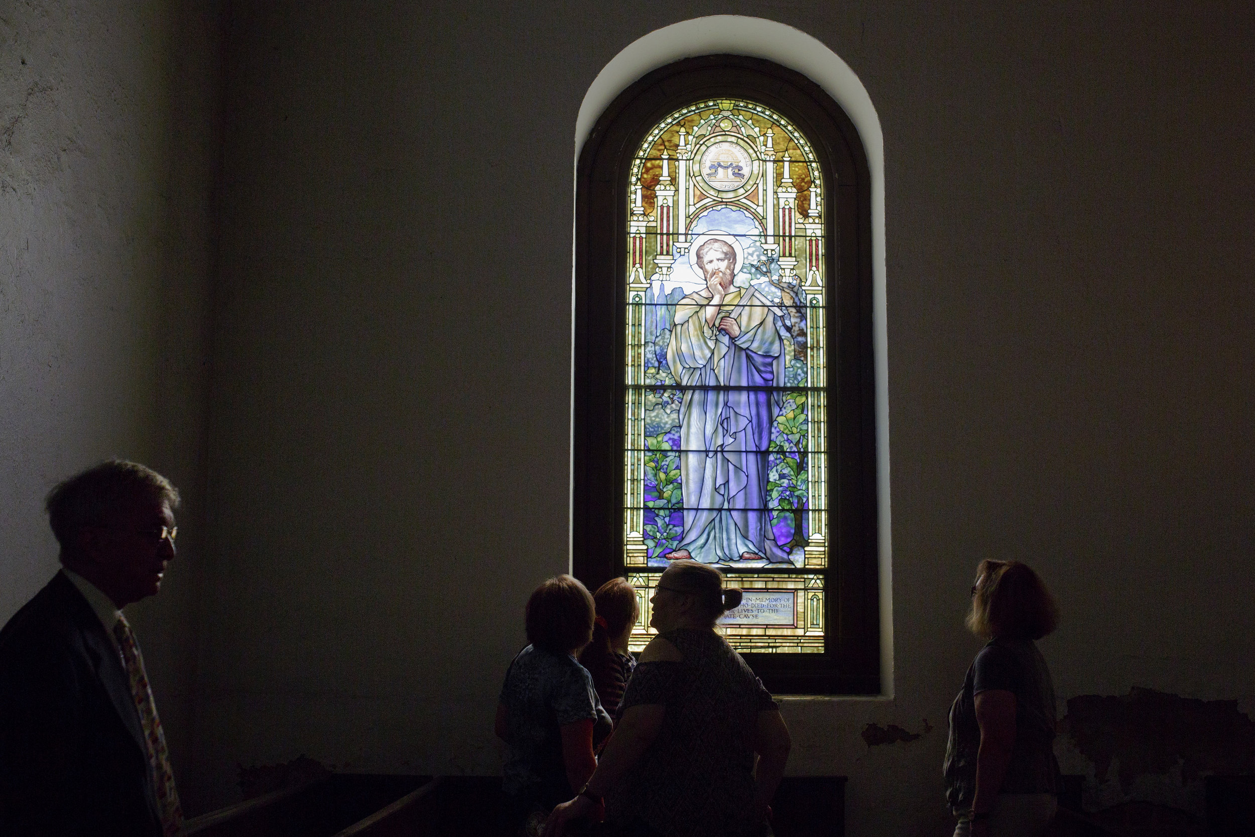 A tour is given of the Blandford Church in Petersburg, Virginia. The church is decorated with 15 Tiffany windows, created by Louis Tiffany in New York City, and the city of Petersburg observes Memorial Day each year on June 9.