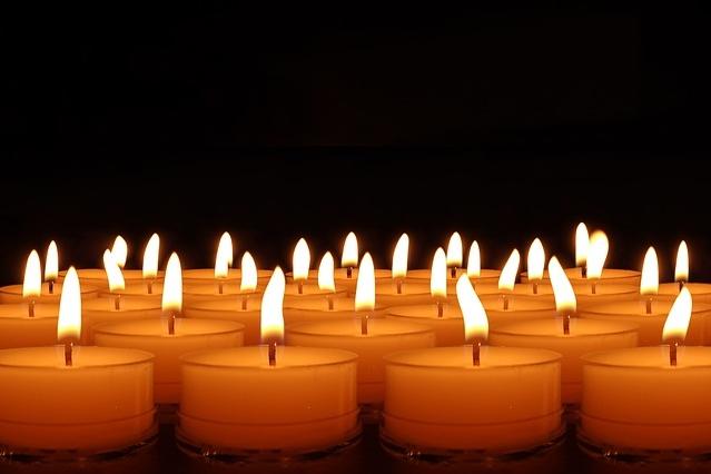 candles-492171_640.jpg